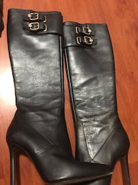 pair of black leather heeled riding boots Vancouver, V5N 5H2