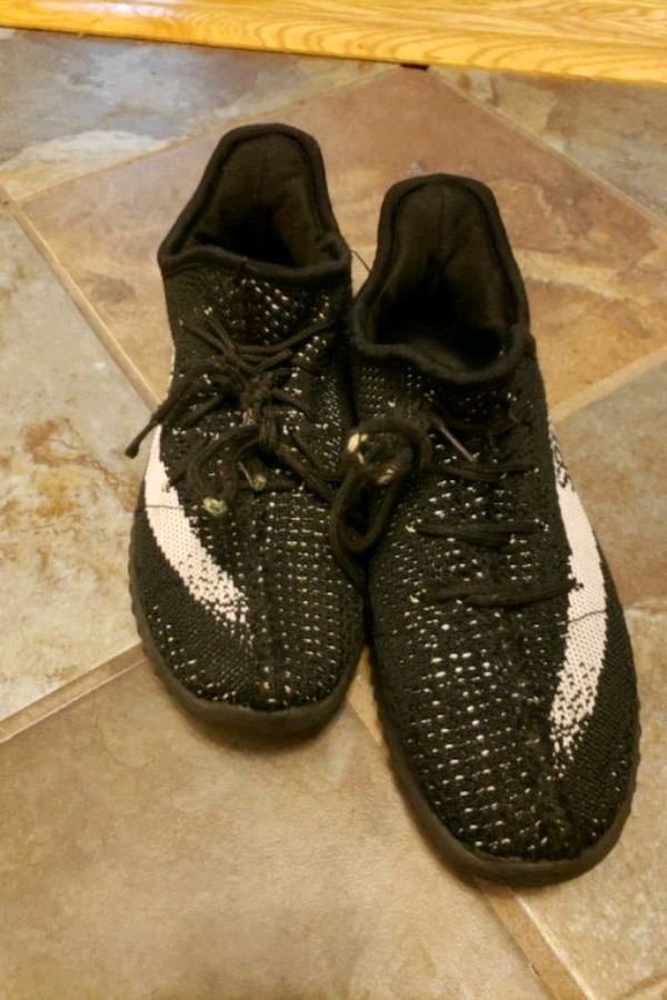 newest 1e4bc bc395 Yeezys oreos size 6 for kids