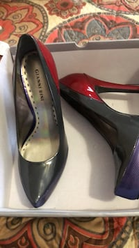 Gianni Bini 9 1/2 grey red and Purple amazing shoes Albuquerque, 87120