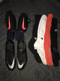 pair of black-and-white Nike basketball shoes Toppenish, 98948