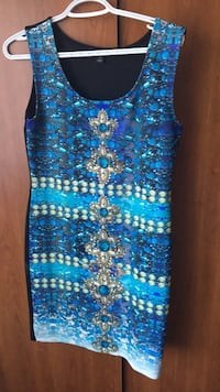 blue and black tank top 3131 km