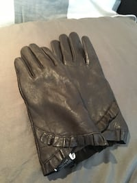 REDUCED!!! omen's genuine leather gloves. fits size 6 Warman, S0K 4S3