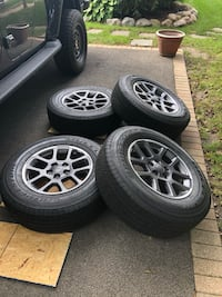 2020 Jeep Gladiator wheels and tires Lake Bluff, 60044