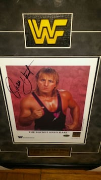 Wwf's Owen Hart signed & authenticated photo  Toronto, M1L 2T3
