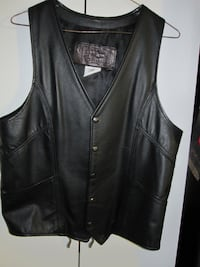 Brand New Vintage The leather Ranch Thick Black Leather Vest - Size Me Winnipeg