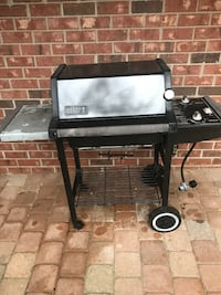black and gray gas grill Deerfield, 60015