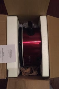 Red Crock Pot (used once)