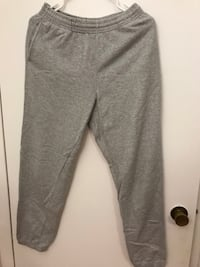 gray and white sweat pants Montréal, H3H 2G4