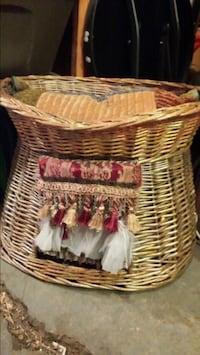 brown wicker basket with white and pink floral textile Regina, S4N