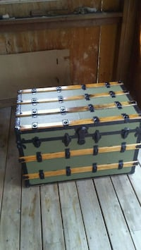 Antique steamer trunk Mississauga, L4W 3M9
