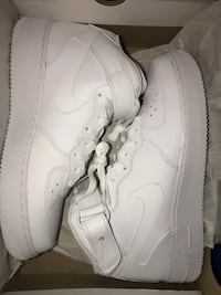 Air force 1 mid size 9 NEW!
