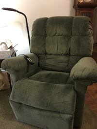 Green fabric (crushed velvet/velour) recliner sofa chair Fairfax, 22033