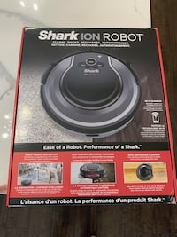 Shark Ion Robot - like new!