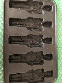 Cast Iron Toy Soldier Baking Mold Pleasant Valley, 12569