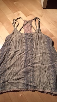 Tank top with lace details size XS Maple Ridge, V2X
