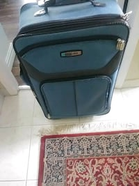 black and gray softside luggage Laval, H7N 6G7