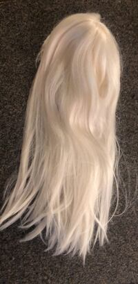 platinum halloween wig with bangs worn once Vancouver, V6B 0E9