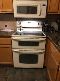 Bisque electric stove / double oven and microwave Canton, 48187