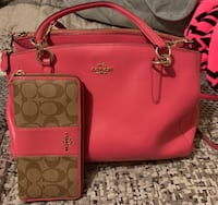 Original Coach Purse and Matching Wallet Purse used un Like New Condition and Wallet is New never used Brawley, 92227