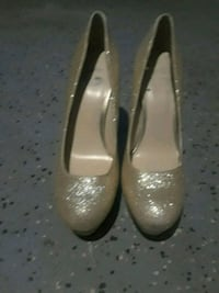 ♡Guess♡ Sparkle heels size 9 and 1/2 St. Louis, 63133