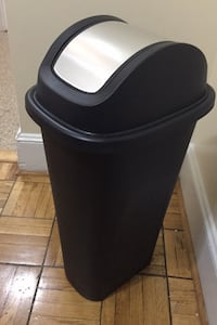 Kitchen trash bin