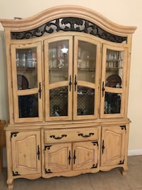 Dining set with China cabinet. Good condition Homestead, 33032