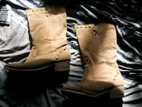 pair of brown leather boots Regina, S4R 4X1