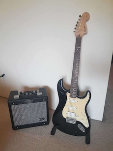 Strat Squier guitar and amp