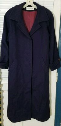 Purple winter coat - size large 100% wool Hagerstown, 21742