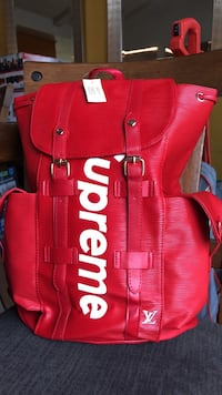 Supreme backpag 2336 mi