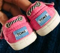 Pink baby toms size 2 Mission