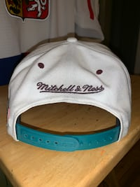 Hats Burlington, L7L 6M6