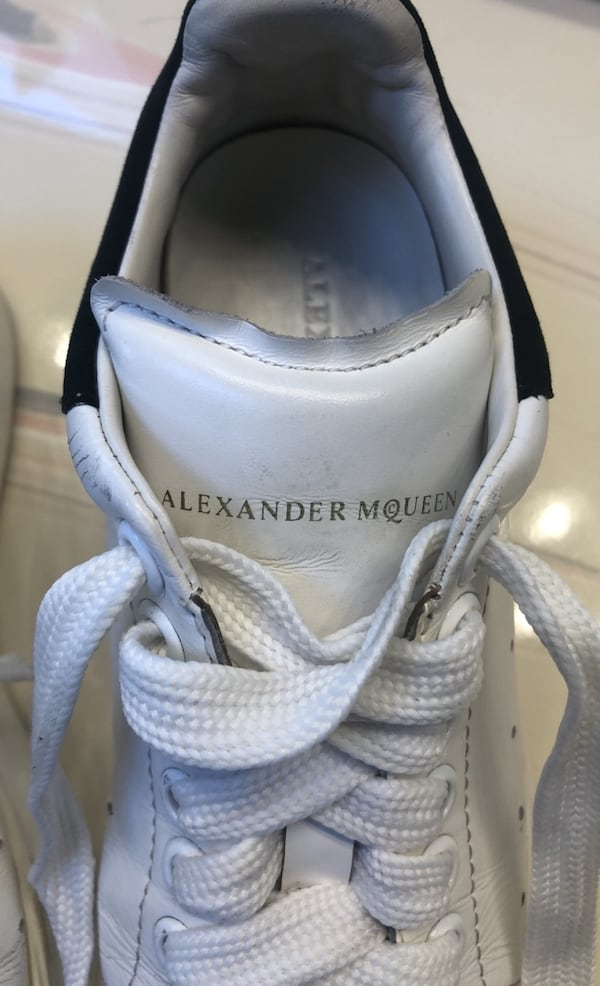 Alexander Mcqueen white leather shoes e102e08d-8d2c-4b95-9907-154929ed30b9
