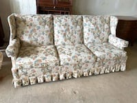 Lovely & Comfy Floral Sofa Baltimore, 21205