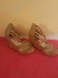 Tan wedges with colourful beads Albuquerque, 87105