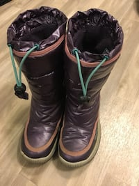 GEOX girls winter boots size 12 Edmonton, T5A 4E8