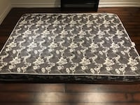 Queen size mattress Cambridge, N1T 2K3