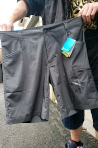 Brand new Columbia shorts Toronto, M4E 3W8