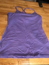 Lululemon workout top Delta, V4C 1V1
