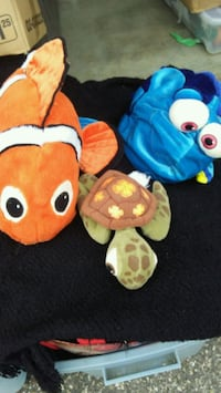 Finding Nemo, Dory, and Squirt plushes