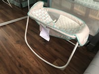 baby's white and gray bassinet 2220 mi