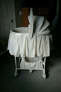 First Years baby bassinet  Surrey, V3S 7L9