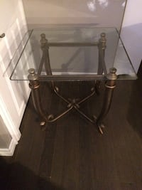 Glass side table  542 km