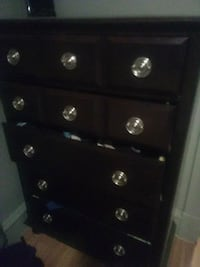 Like brand new 5 drawer dresser 200 obo Spokane, 99202
