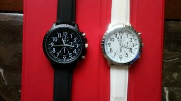 Set of two watches