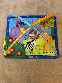 Baby floor playmat with music