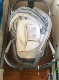 Baby sleeper fold up mobile bassinet brand new never used  New York, 11232