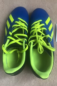Adidas Soccer Shoes Size 5 Mississauga, L5H 4G7