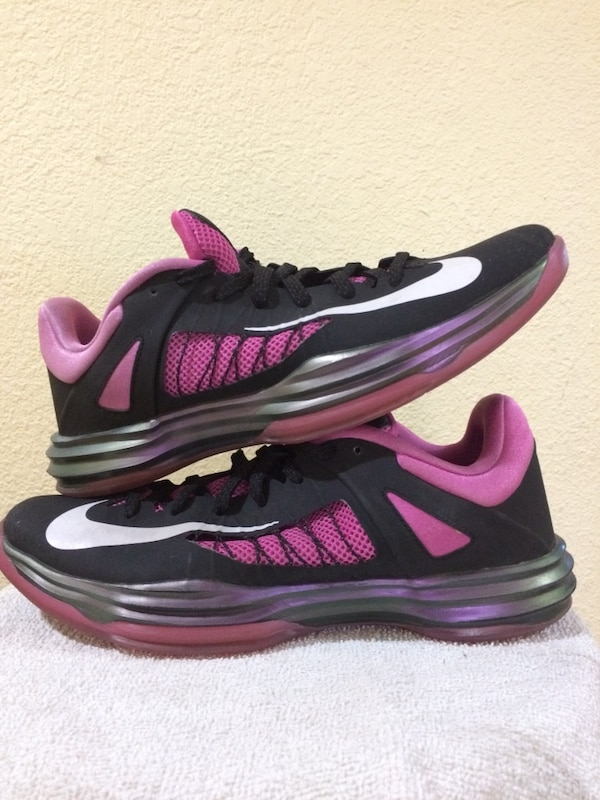 03ab5830378 Used Nike hyperdunk 2012 breast cancer awareness size 11 black and pink for  sale in Milpitas - letgo