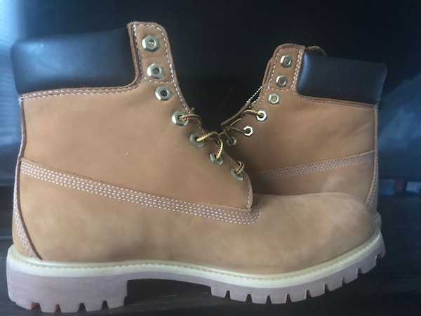 Selling DS Timberlands size 11